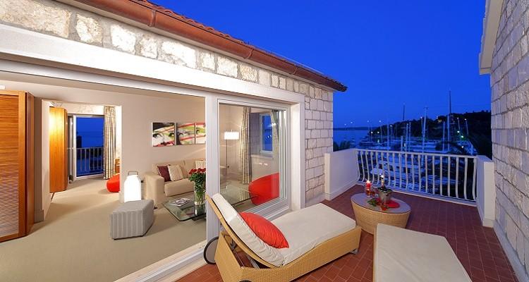 RIVA HOTEL - Hvar